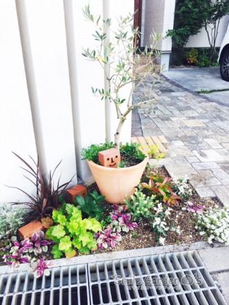 スマイルガーデンディーズ 加古川 明石 門柱前花壇