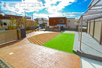 スタンプコンクリート タイルテラス 人工芝