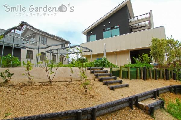高低差のある庭まわり 明石市