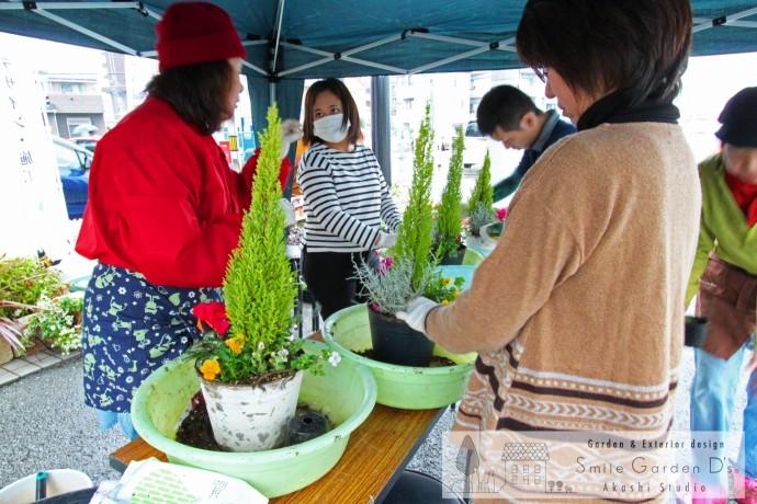 スマイルガーデンディーズ 秋のお庭の大相談会 寄せ植え教室