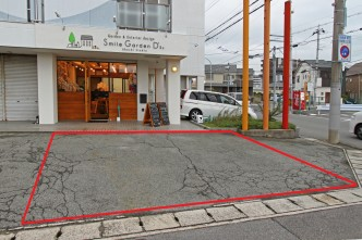 明石スタジオ店前駐車場