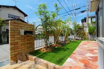 レンガ 乱形自然石 芝生 植栽