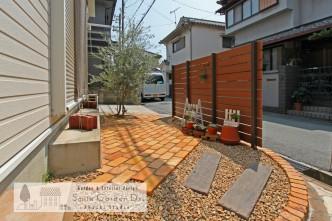 アンティークレンガ マイティウッドフェンス レイルスリーパーペイブ 化粧砂利 外構工事 庭デザイン