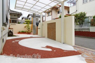 樹脂舗装 モザイクタイル デザイン門柱