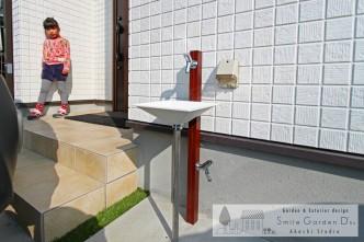 木調の立水栓 明石